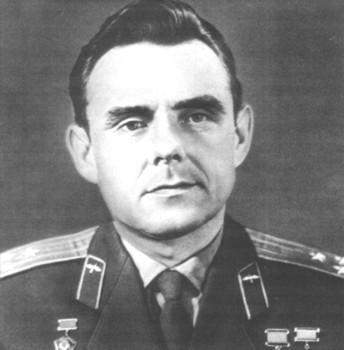Первый испытатель союза космонавт в